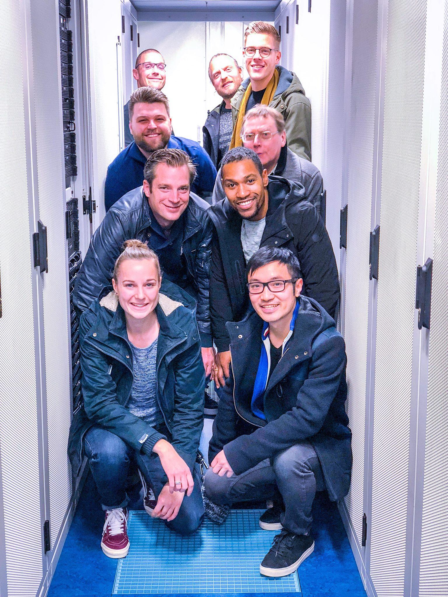 iXL Hosting team